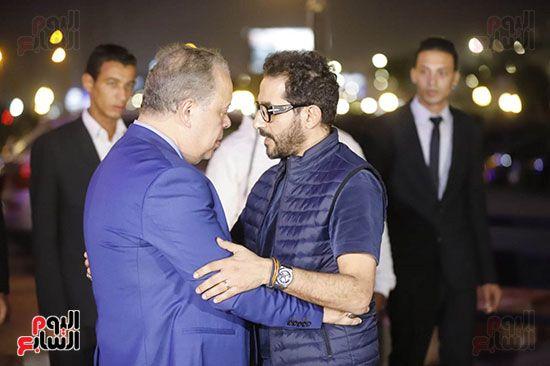 احمد حلمي يصافح اشرف زكي