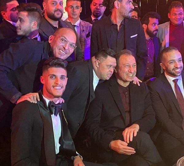 شاهد.. كهربا يرقص مع أمح الدولي ويقلد حركاته في حفل زفاف أحمد الشيخ