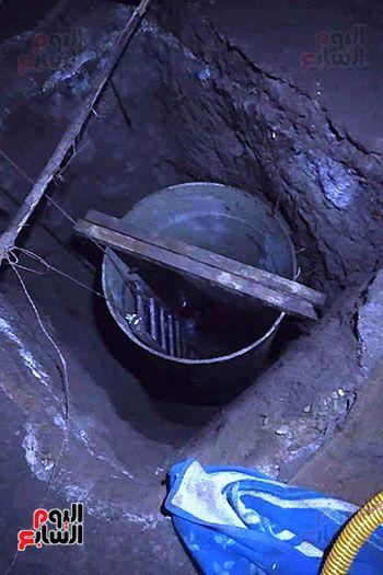 ضبط صاحب منزل أثناء التنقيب عن الأثار بقرية أكياد دجوي بالقليوبية (3)