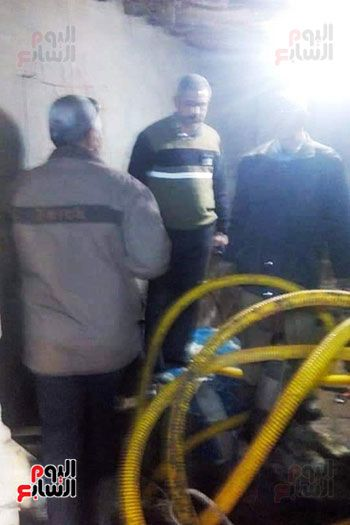 ضبط صاحب منزل أثناء التنقيب عن الأثار بقرية أكياد دجوي بالقليوبية (4)