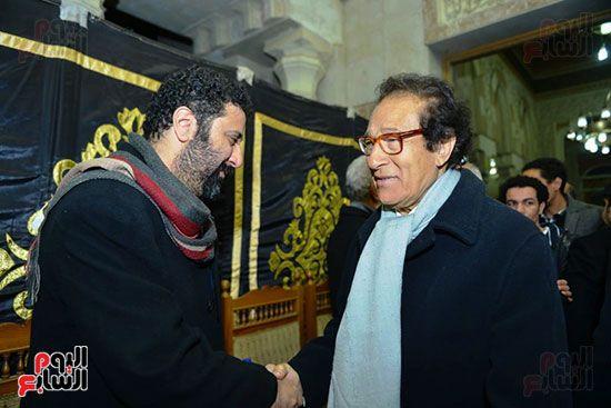 فاروق حسنى يقدم واجب العزاء للمخرج شادى الرملى