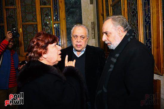 المخرج المسرحى ياسر صادق والفنانة لبلبة فى عزاء لينين الرملى