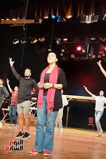 الفنانة مي فاروق تقدم البطولة الغنائية بالعمل