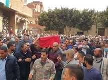 جنازة شعبية للشهيد اللواء ياسر عصر بالقليوبية والذي لقي مصرعه إثر سقوطه داخل هواية بمحطة مترو «مسرة»