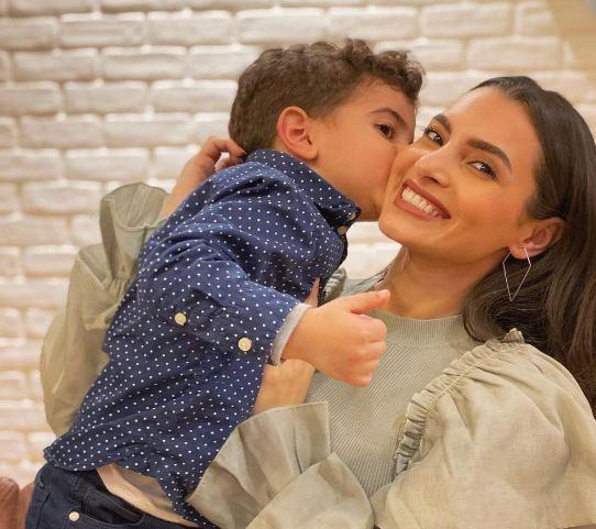 كارمن سليمان وأبنها