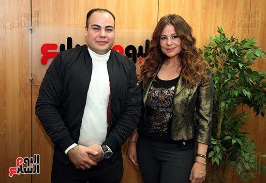 كارول سماحة مع عمرو صحصاح رئيس قسم الفن