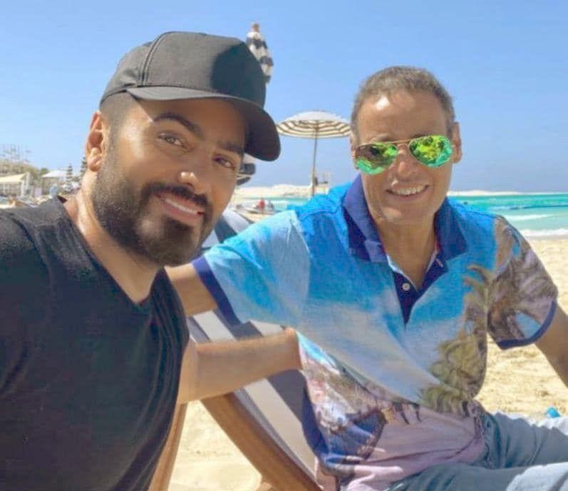 تامر حسني ووالد زوجته الراحل