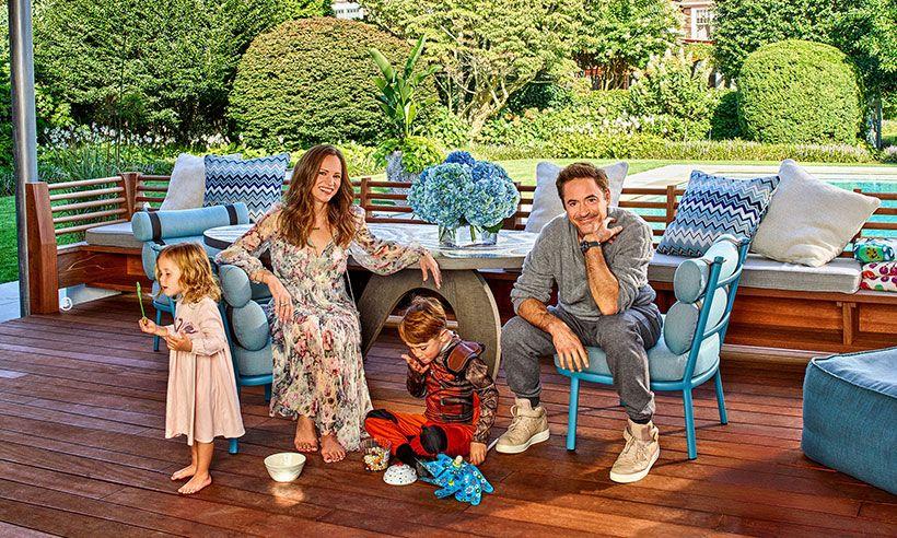 روبرت داونى وزوجته وابناءه
