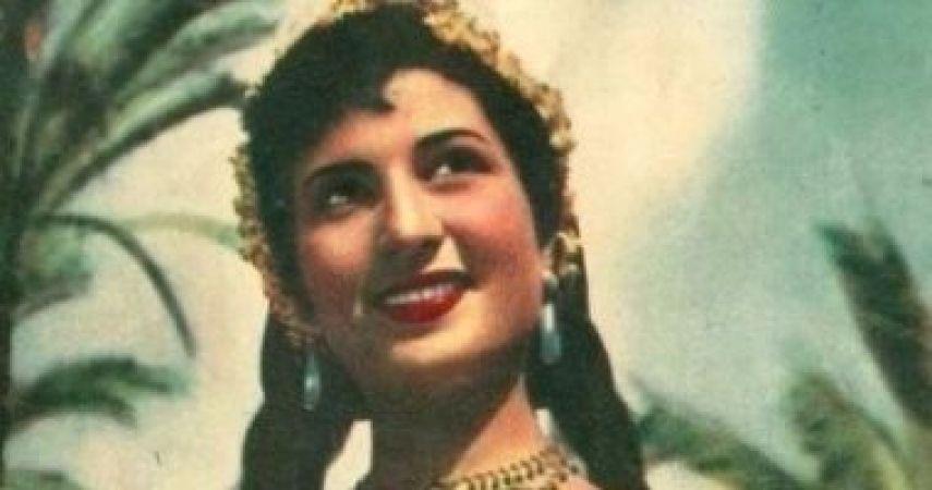 الفنانة نعيمة عاكف