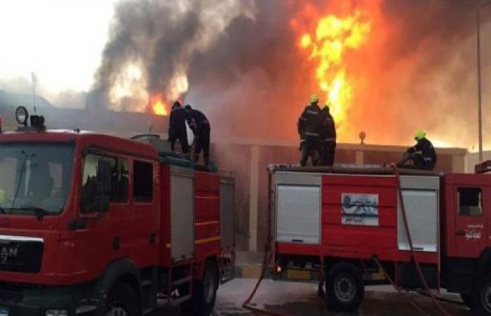 الوفد -الحوادث - لا خسائر بشرية.. السيطرة على حريق بمنصة بترول برأس غارب موجز نيوز