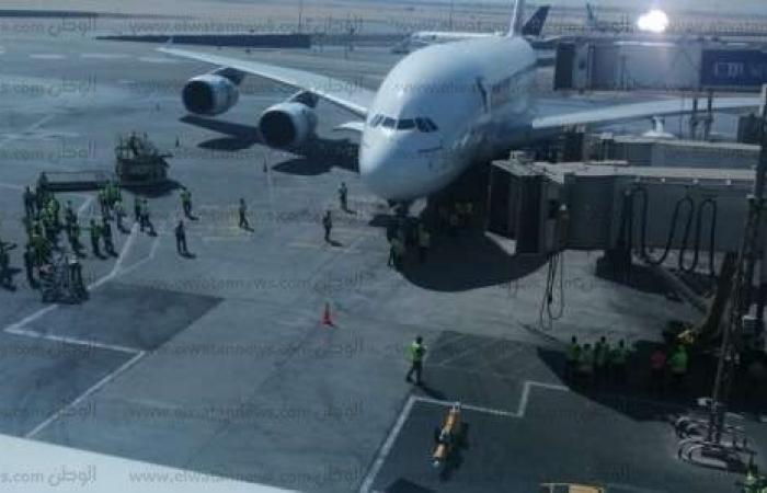 اخبار السياسه أخبار ماتفوتكش: مطار القاهرة يستقبل أكبر طائرة ركاب في العالم