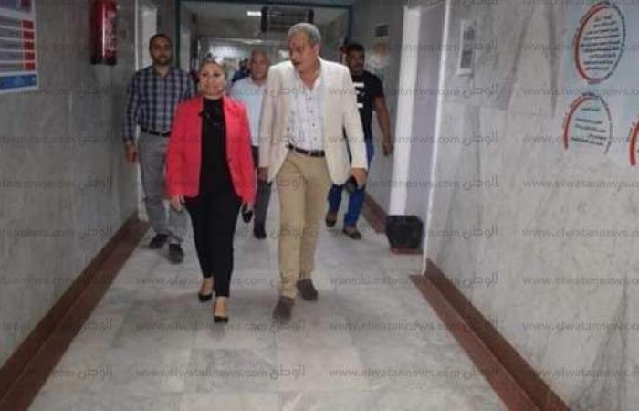 اخبار السياسه صور.. نائب محافظ البحر الأحمر في زيارة ليلية مفاجئة لمستشفى الغردقة
