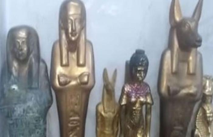 الوفد -الحوادث - ضبط تشكيل عصابي عثر على 193 قطعة أثرية تعود للأسرة الرابعة الفرعونية موجز نيوز