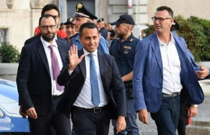 عقب التصويت الرابع.. هل يختفي أكثر من 300 نائب إيطالي لتوفير النفقات؟