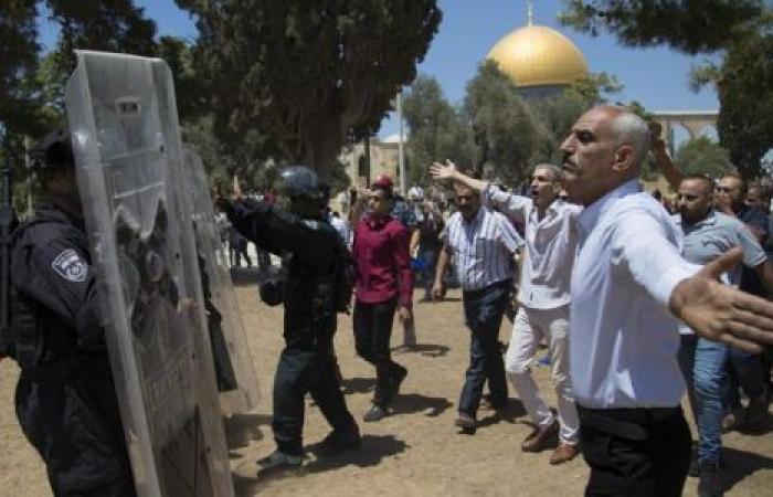 مطالبات بإعادة وضع بوابات الكترونية للمسجد الأقصى..هل يقبلها الفلسطينيون؟