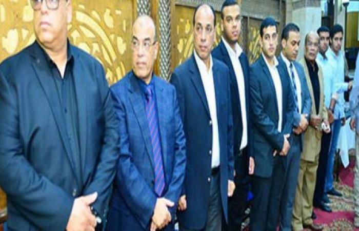 الوفد رياضة - نجوم الكرة المصرية يحضروا عزاء مدير الكره السابق بالنادي الاهلي موجز نيوز