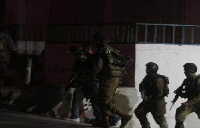 الاحتلال يواصل جرائمه بالضفة والقدس.. اعتقالات وحشية تطارد الفلسطينيين