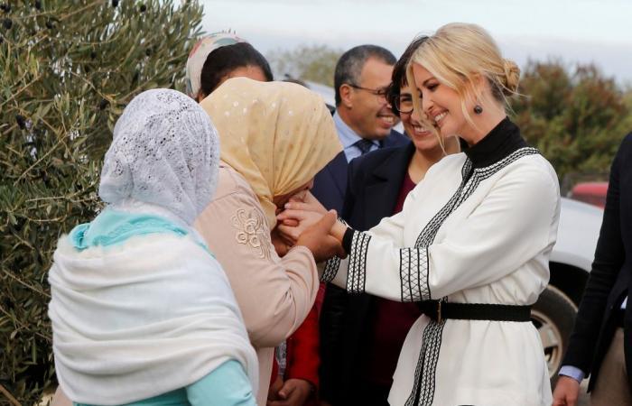 بعد استقبالها باللبن والتمر.. صورة إيفانكا ترامب مع نساء مغربيات تثير جدلاً