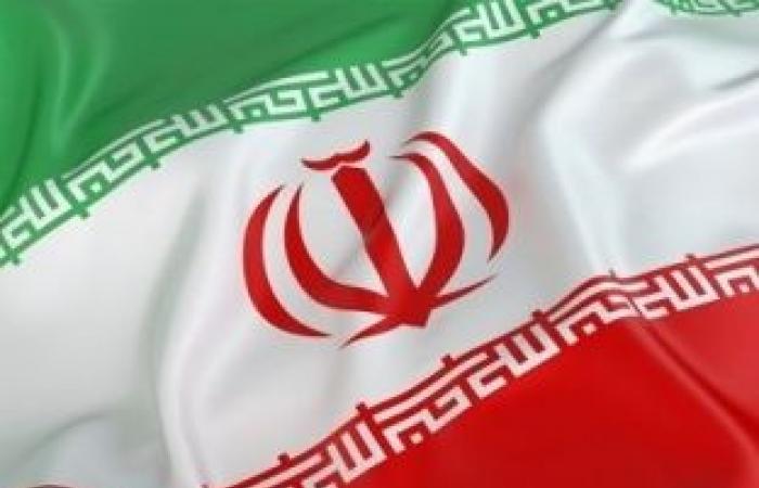 اخبار السياسه إحراق مقر قوات الباسيج غرب طهران.. والحكومة: الشغب ينتهي خلال 48 ساعة