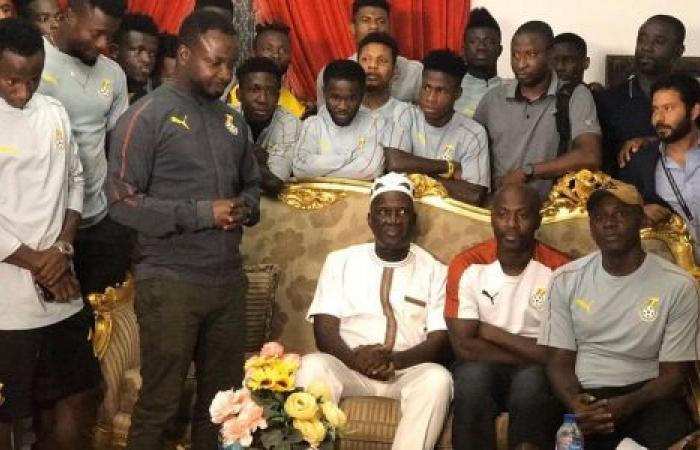 الوفد رياضة - سفير غانا لدى القاهرة يستضيف منتخب الشهب السوداء بمقر إقامته موجز نيوز