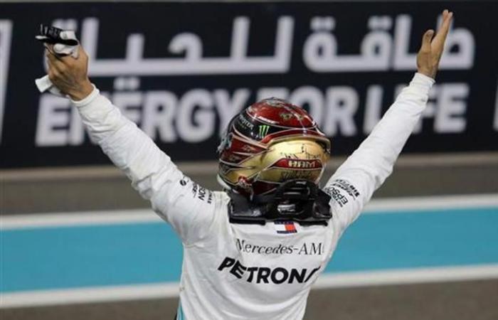 لويس هاميلتون بطل العالم لموسم 2019 في فورمولا-1