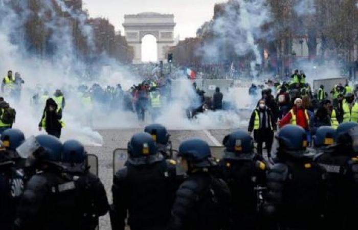 فرنسا.. الحكومة تتجاهل احتجاجات «إصلاح نظام التقاعد»