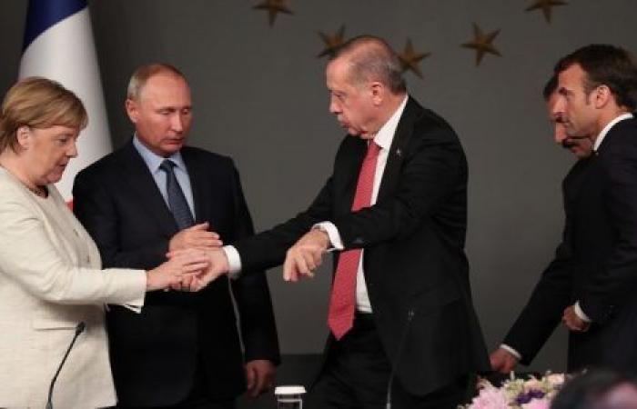 تفاصيل الساعات الأخيرة لتحركات روسيا وألمانيا وتركيا لحل الأزمة الليبية