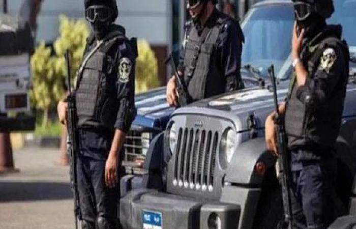 الوفد -الحوادث - ضبط 3 عاطلين بحوزتهم أسلحة نارية ومخدرات في دمياط موجز نيوز