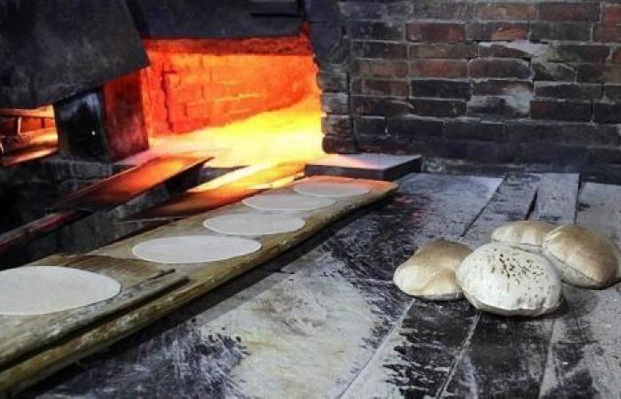 مخابز الخرطوم تضاعف أسعار الخبز.. والحكومة: سنرد بالقانون