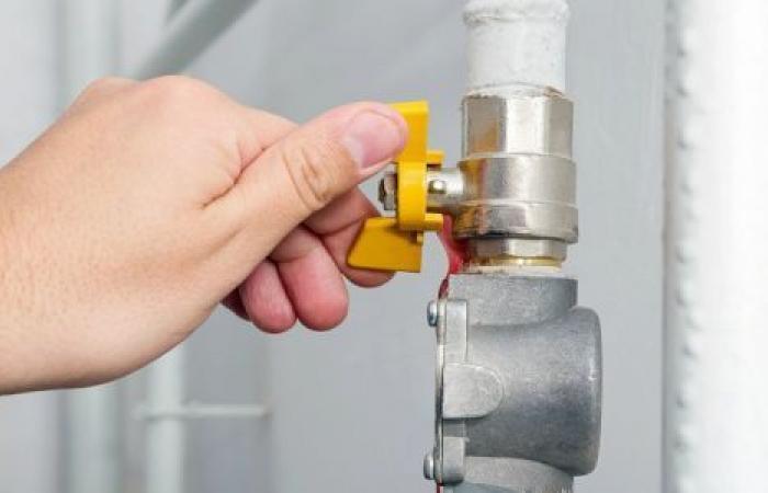 هل تخفض الحكومة أسعار الغاز الطبيعي للمصانع؟.. رويترز تجيب