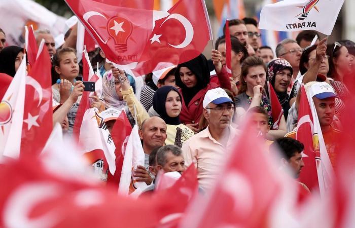 مؤشرات مقلقة لاقتصاد تركيا.. هل يجهض أردوغان أزمته السياسية المقبلة؟ (تحليل)