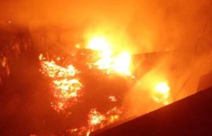#اليوم السابع - #حوادث - السيطرة على حريقين فى 8 أفدنة قصب بقرية طفنيس و38 قيراطا بالكيمان جنوب الأقصر