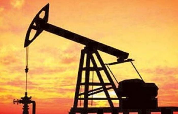 بصعود ملحوظ.. أسعار النفط تتحدى كورونا لليوم الثاني وسط آمال بخفض الإنتاج