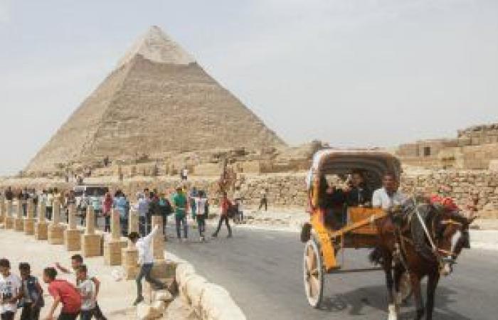 #اليوم السابع - #حوادث - القبض على متسلق الهرم وتسليمه لشرطة السياحة والآثار