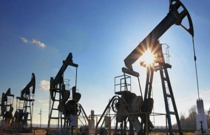 زلزال كورونا يهز سوق النفط.. أكبر خسارة يومية في 11 عامًا
