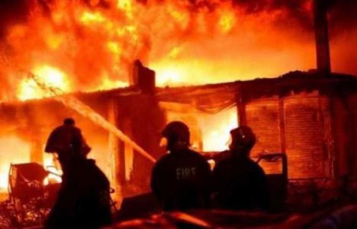الوفد -الحوادث - السيطرة على حريق نشب داخل جراج في البساتين موجز نيوز