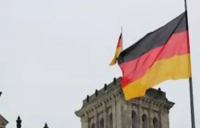 الوفد رياضة - شفاء لاعب بالدوري الألماني من كورونا موجز نيوز