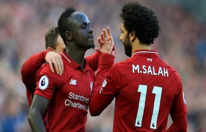 لاعب ليفربول السابق: صلاح مثال للتواضع.. والعرب يحبونه لأنه يمنح انطباع إيجابي عنهم