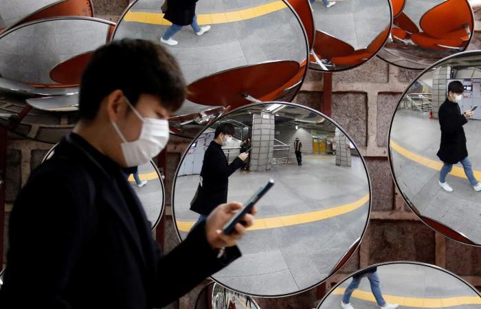 اخبار التقنيه مبيعات الهواتف تراجعت بـ 14% في فبراير بسبب كورونا