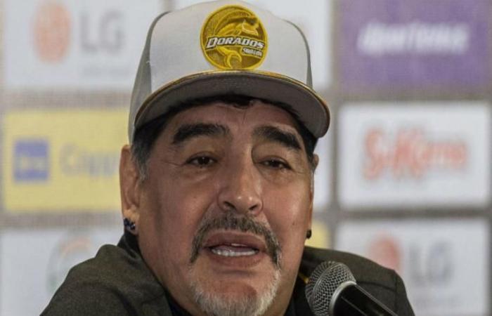 """رياضة عالمية الأربعاء أسكاسيبار: مارادونا """"فوق الجميع"""" بالأرجنتين"""