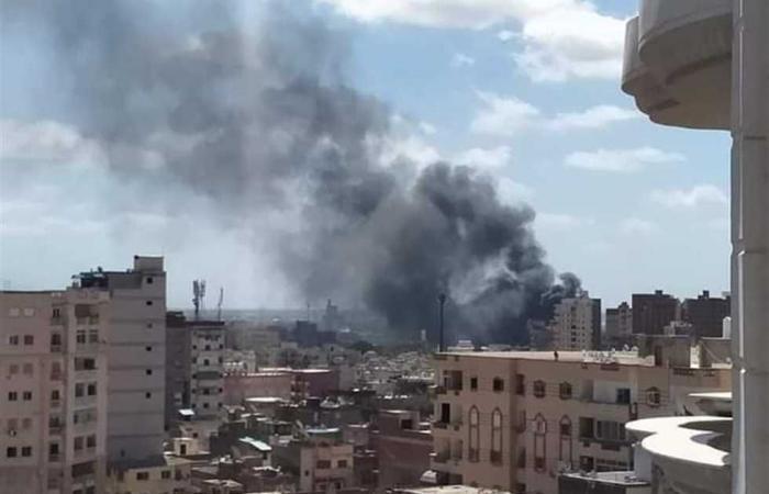 المصري اليوم - حوادث - السيطرة على حريق نشب داخل مصنع بطاطين بالعاشر من رمضان موجز نيوز