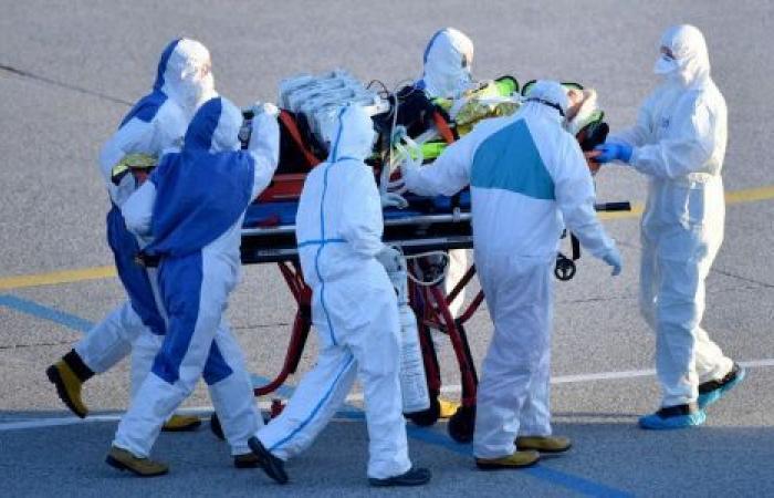 فرنسا تقرر تمديد الإغلاق بسبب «كورونا».. وحصيلة الوفيات نحو 11 ألفًا