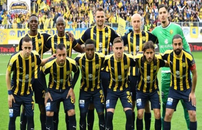 رياضة عالمية الثلاثاء إصابة لاعب في دوري الدرجة الثانية التركي بفيروس كورونا
