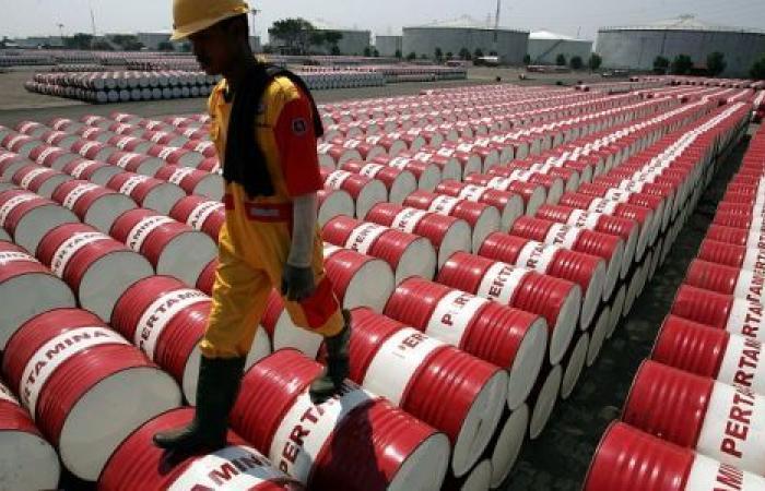 صحيفة ألمانية: شركات النفط الكبرى تخسرالمليارات.. والقادم أسوأ