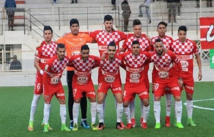 """رياضة عربية الخميس بلوزداد يطالب بشطب متورطين بالتلاعب: """"لا يشرف الكرة الجزائرية"""""""