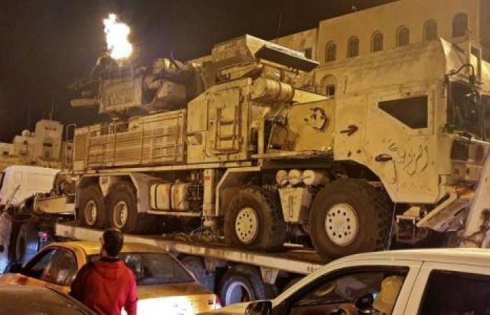 الأسلحة تتدفق... حرب الوكالة بين موسكو وأنقرة تمزق ليبيا