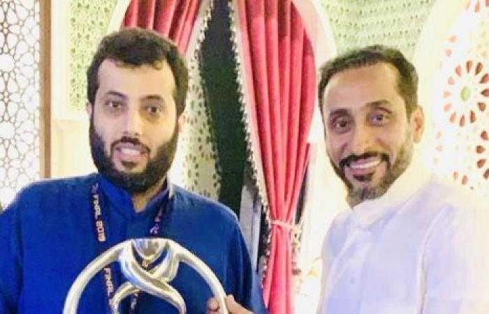 الوفد رياضة - تركي آل الشيخ ينفعل أثناء مباراته الخيرية مع السويلم موجز نيوز