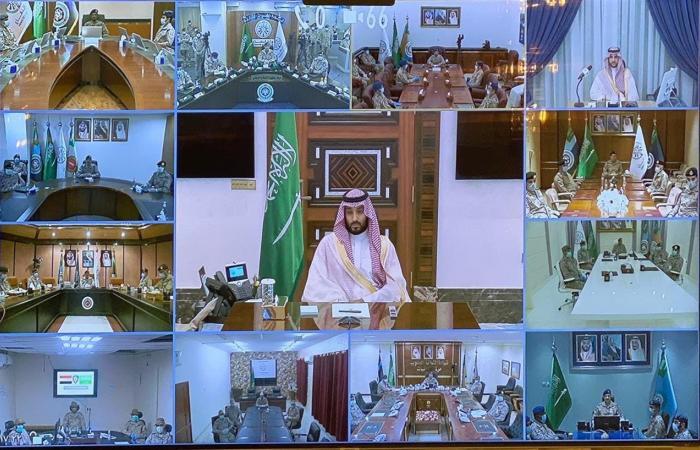 ولي العهد السعودي يقدم تهنئة العيد لمنسوبي وزارة الدفاع