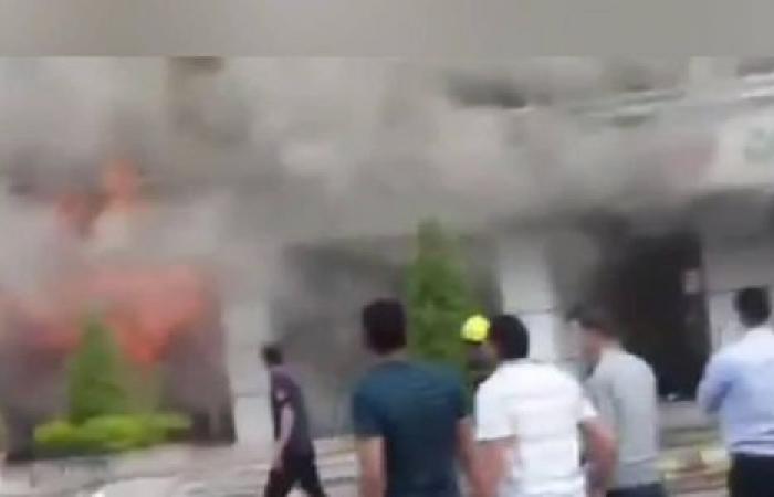 الوفد -الحوادث - المعمل الجنائي يعاين حريق صيدلية الميرغني لكشف أسبابه موجز نيوز