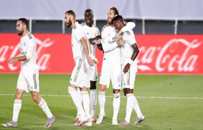 رياضة عالمية الأحد الليجا.. أتلتيك بيلباو 0-0 ريال مدريد.. خطورة مبكرة